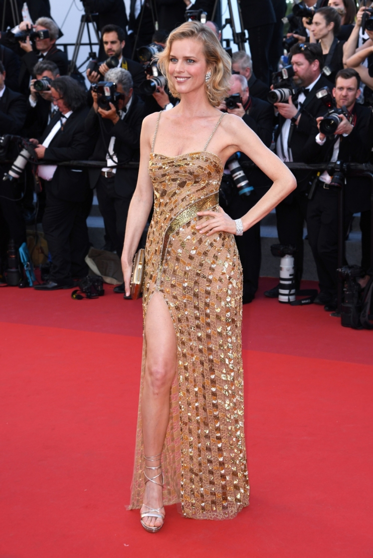 Eva-Herzigova-en-Roberto-Cavalli-Couture