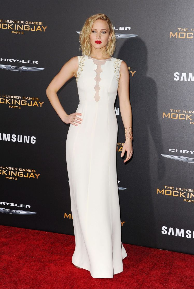 jennifer-lawrence-the-hunger-games-mockingjay-part-2-premiere-in-la-part-ii-_5