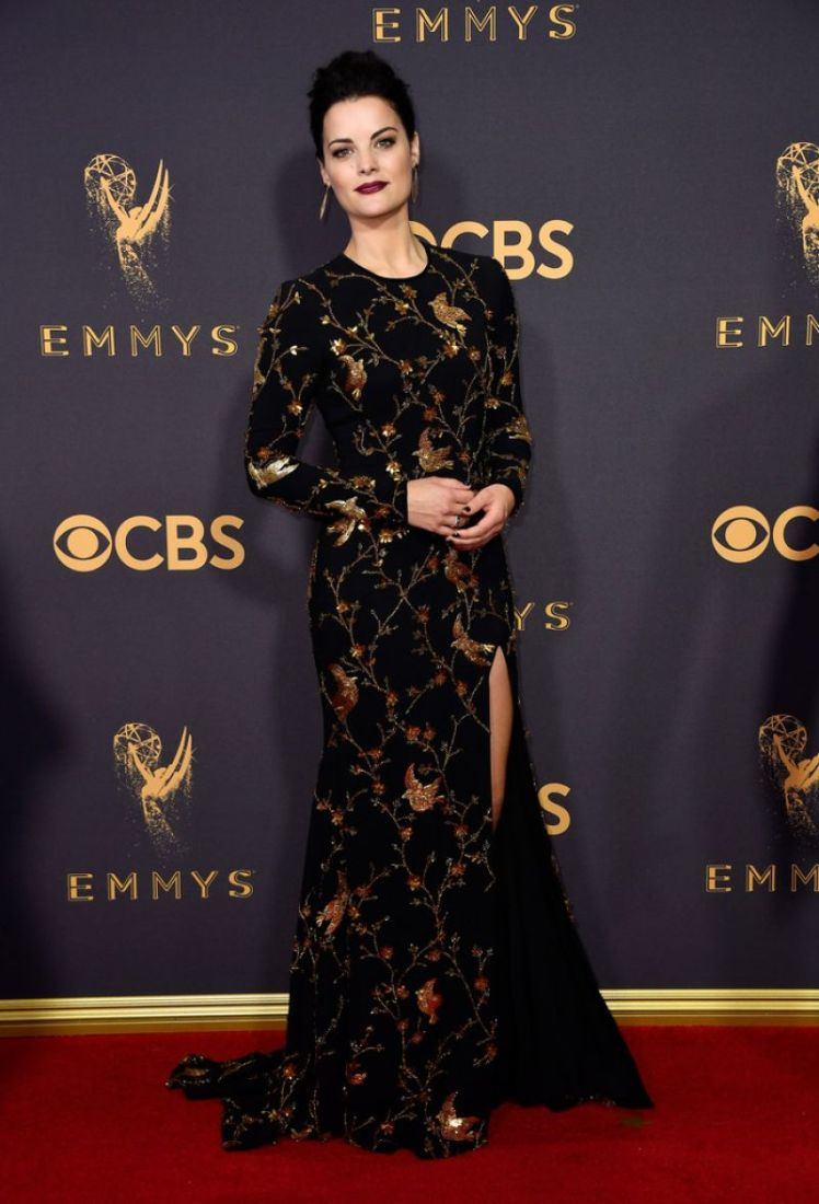 jaimie-alexander-at-69th-annual-primetime-emmy-awards-in-los-angeles-09-17-2017_1