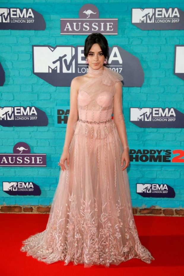 Camila-Cabello-2017-MTV-Europe-Music-Awards-29-662x993-620x930